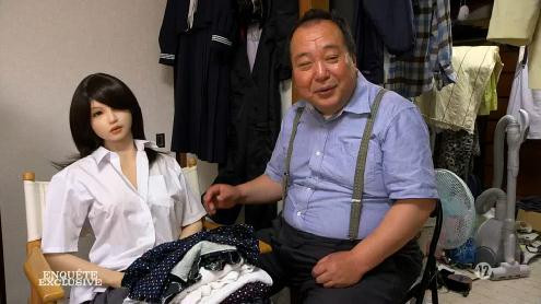 le trafic sexuel japonais peut un gros pénis blessé