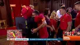 Les Diables Rouges: le retour : Arrivée des diables à l'hôtel de ville