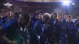 """Equipe de France : Vegedream chante """" Ramenez la coupe à la maison"""" au Stade de France"""
