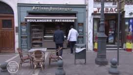 La meilleure boulangerie de France : La boulangerie de Mickaël sert sa clientèle dans la rue