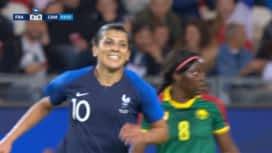 Football - Équipe de france féminine : France - Cameroun (54') : but de Kenza Dali (4-0)