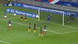 Football - Équipe de france féminine : France - Cameroun (47') : but d'Eugénie Le Sommer (3 - 0)