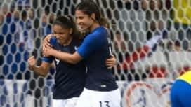 Football - Équipe de France féminine : France - Brésil (23') : but de Delphine Cascarino (1 - 0)