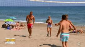 Les Marseillais vs le Reste du monde : Julien Bert et Stéphanie se dénudent à la plage !