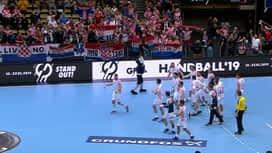 Hrvatska : [HRV-ŠPA] Slavlje s navijačima nakon utakmice