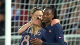 Football - Équipe de france féminine : France - Japon (82') : but de Kadidiatou Diani