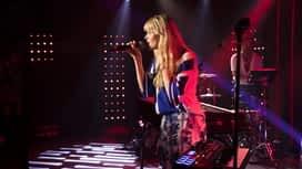 """Le son Pop-Rock : Angèle """"La thune"""" en Concert Très Très Privé RTL2"""