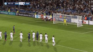 Angleterre U21 - France U21 (66') : pénalty manqué par Houssem Aouar