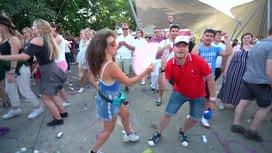 Radio Contact à Tomorrowland : Gaëtan danse avec les festivaliers