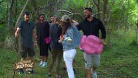 Les aventures de Nabilla et Thomas en Australie : Nabilla craque à l'idée de dormir dehors dans une tente