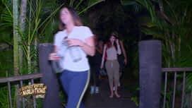 Les aventures de Nabilla et Thomas en Australie : Marina tchippe Marie et elle s'emballe