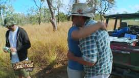 Les aventures de Nabilla et Thomas en Australie : Les amis sont tristes de quitter Andrew