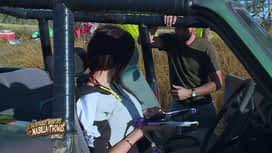 Les aventures de Nabilla et Thomas en Australie : Se lisser les cheveux dans la jungle ? Rien n'est impossible pour N...