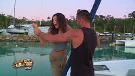 Les aventures de Nabilla et Thomas en Australie : Thomas balance Nabilla par dessus bord
