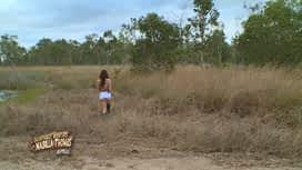Les aventures de Nabilla et Thomas en Australie : Nabilla part à la chasse aux kangourous