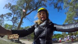 Les aventures de Nabilla et Thomas en Australie : Jess, l'as de la moto... ou pas