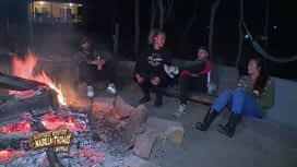 Les aventures de Nabilla et Thomas en Australie : Soirée confidences autour du feu