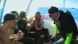 """Les aventures de Nabilla et Thomas en Australie : """"Pas de baleines, pas de ménage"""" Tarek essaie de négocier"""