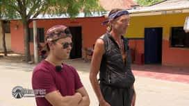 Pékin Express : Fabrice et Briac en rade au bord de la route