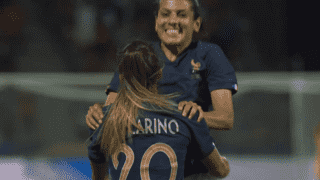 France - Espagne (76') : but de Delphine Cascarino
