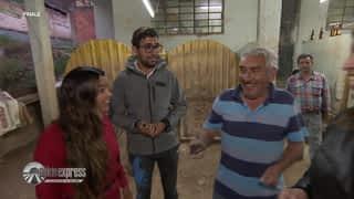 Mounir et Lydia pratique le sport national colombien
