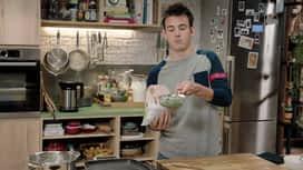 Loïc, fou de cuisine : Toast aux petits pois et burrata et toast au poivron, anchois et fr...