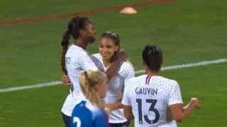 France - Islande (66') : but de Delphine Cascarino