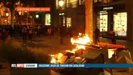 RTL INFO 13H : Le centre de Barcelone a vécu des scènes de guérilla urbaine hier soir