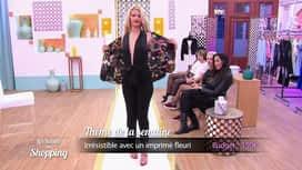 Les reines du shopping : Laura défile pour être irrésistible avec un imprimé fleuri