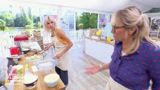 Christine et Alexandra trichent sur Laure