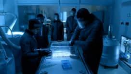 Helix : S01E11 Pluie noire