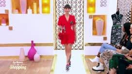 Les reines du shopping : Déborah défile pour être tendance en baskets