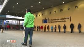 RTL INFO 13H : Coronavirus: manif du personnel du catering de la Commission Europé...