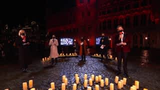 Noël à 11 millions : Noël à 11 millions - Ensemble, formons une chaîne de lumière