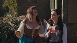American Princess : S01E02 Juste des trucs sur les seins