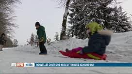 RTL INFO 13H : Zoom sur les activités possibles à Saint-Hubert où la neige est...