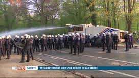 RTL INFO 13H : La Boum 2 au Bois de la Cambre: 30 blessés et 132 arrestations
