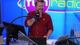 "Dimitri remporte une voiture cabriolet dans ""Bruno dans la radio"""