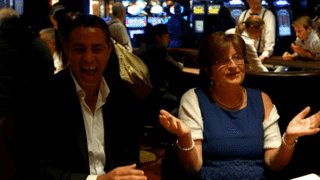 S1E1 : LA/Vegas