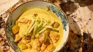 Mousse au chocolat et curry de volaille