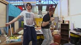 Redesign: Sauvons les meubles ! : Déguisés en stars de la musique électro, Antoine et Bertrand improvisent une danse déjantée!